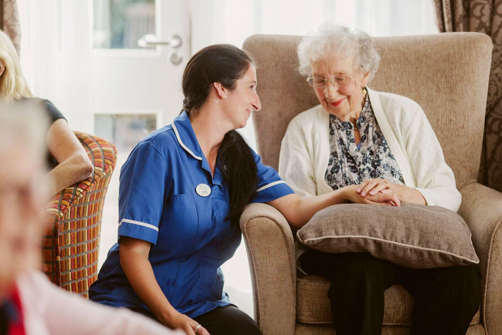 senior-care-assistant-@2x-3x2